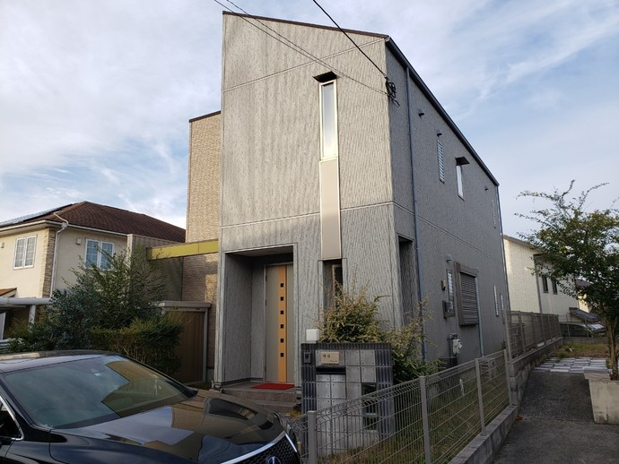 北九州市八幡西区上の原一戸建て築12年で初めての外壁塗装施工の施工前画像