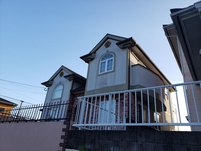 遠賀郡岡垣町長年の汚れにお悩みの一戸建て住宅の外壁塗装の施工前画像