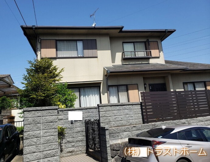 福岡市東区戸建ての外壁・屋根塗装の施工事例をご紹介します☆の施工前画像